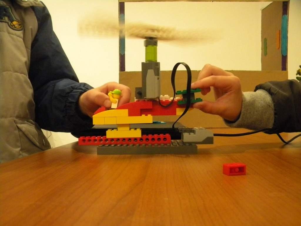 planet physics ρομποτική LEGO
